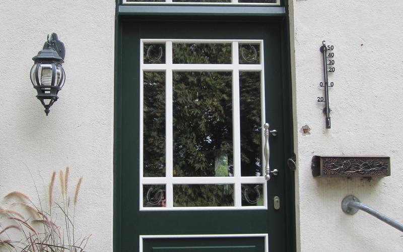 Tischlerei Riese, Glandorf; Osnabrück, Münster, Tecklenburg  Holz- Haustür mit Oberlicht in grün weiß