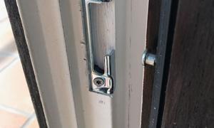 Tischlerei Riese, Glandorf; Osnabrück, Münster, Tecklenburg  Holz- Fenster mit innenliegenden - Sicherheitsbeschlägen nachrüsten